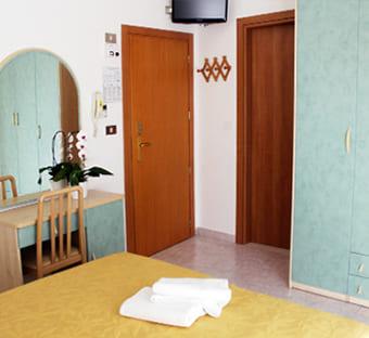 hotel flora bellaria camere online h24