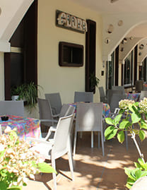 hotel flora bellaria home vacanze a bellaria tavolini esterno