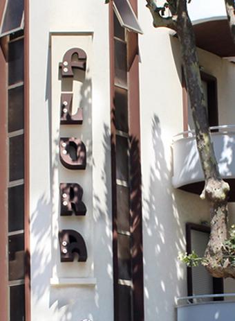 hotel flora bellaria info e contatti esterni balconi albero mobile