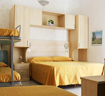 hotel flora bellaria listino camera family
